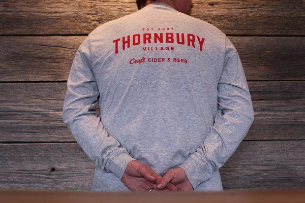 Long sleeve t-shirt grey back